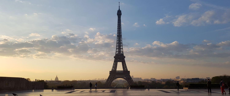 Location 2CV à Paris, 2cv Paris Tour, visite de paris en 2cv avec chauffeur - Tour Eiffel